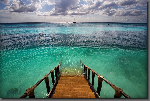 Tanzania_0433-Stairs_Indian_Ocean